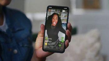 Cricket Wireless More Phone, More Fun MegaSale TV Spot, 'Mom Dancing to K-Pop' - Thumbnail 5