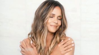 Finishing Touch Flawless Brows TV Spot, 'Se tú' con Halle Berry [Spanish] - Thumbnail 2