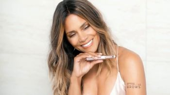 Finishing Touch Flawless Brows TV Spot, 'Se tú' con Halle Berry [Spanish] - Thumbnail 5