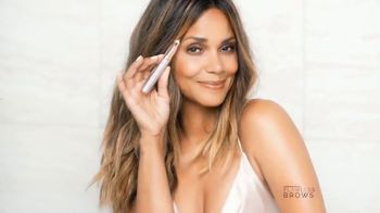 Finishing Touch Flawless Brows TV Spot, 'Se tú' con Halle Berry [Spanish] - Thumbnail 6