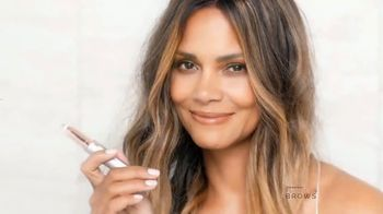 Finishing Touch Flawless Brows TV Spot, 'Se tú' con Halle Berry [Spanish] - Thumbnail 7