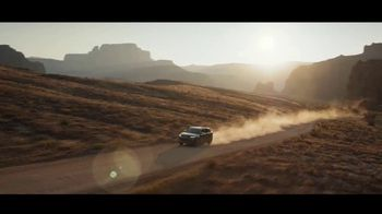 Chevrolet TV Spot, 'Algo mejor: exploradores' [Spanish] [T2] - Thumbnail 6