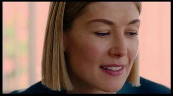 Netflix TV Spot, 'I Care a Lot' Song by Richard Macklin - Thumbnail 2
