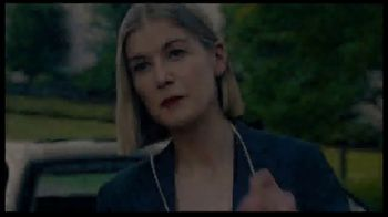Netflix TV Spot, 'I Care a Lot' Song by Richard Macklin - Thumbnail 6