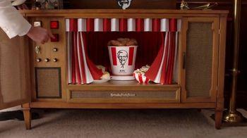 KFC $20 Fill Up TV Spot, 'Banquete para toda la familia' [Spanish] - Thumbnail 2