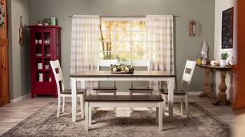 Bob's Discount Furniture TV Spot, 'Comedor Blake de siete piezas: $599 dólares' [Spanish] - Thumbnail 3