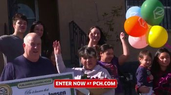 Publishers Clearing House TV Spot, 'Real People: Win $7,000 a Week' Featuring Terry Bradshaw - Thumbnail 5