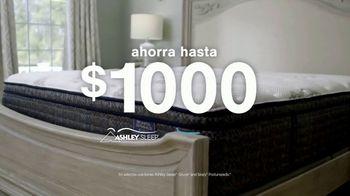 Ashley HomeStore Anniversary Sale TV Spot, 'La venta de colchones: hasta $1,000' [Spanish] - Thumbnail 3