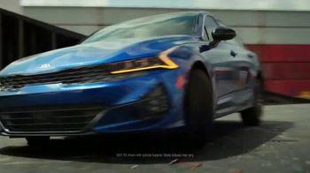 2021 Kia K5 TV Spot, 'Flat Spin Stunt' [T1] - Thumbnail 8