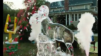 Ram Trucks TV Spot, 'Marty Party: The Perfect Home Tailgate' Featuring Marty Smith [T1] - Thumbnail 9
