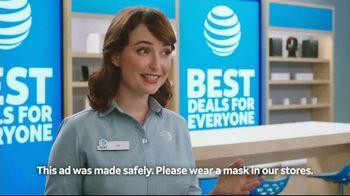 AT&T Wireless TV Spot, 'Making History' - Thumbnail 3