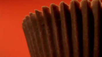 Reese's Big Cup With Pretzels TV Spot, 'Better Than Feathers' - Thumbnail 3