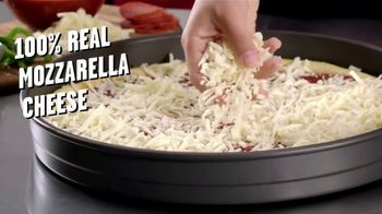 Hungry Howie's Meal Deals TV Spot, 'That's How We Do It' - Thumbnail 4