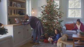 L.L. Bean TV Spot, 'Holidays: Comfortable: 15% Off' Song by Fleetwood Mac