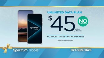 Spectrum Mobile Holiday TV Spot, 'Give the Gift of Spectrum: Mix and Match Data Plans'