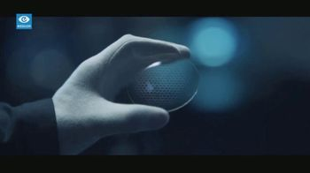 Essilor Varilux TV Spot, 'Taylor Made'