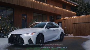 Lexus December to Remember Sales Event TV Spot, 'Driveway Moments: Peace and Joy Delivery' [T2] - Thumbnail 1