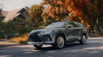 Lexus December to Remember Sales Event TV Spot, 'Driveway Moments: Birthday' [T2] - Thumbnail 2