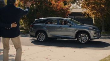 Lexus December to Remember Sales Event TV Spot, 'Driveway Moments: Birthday' [T2] - Thumbnail 4