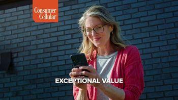 Consumer Cellular TV Spot, 'Toast to 2020: Premium Wireless' - Thumbnail 4
