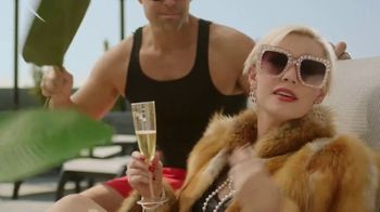 Credit.com TV Spot, 'Good to Be Extra: Track It' - Thumbnail 7