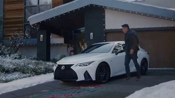 Lexus December to Remember Sales Event TV Spot, 'Driveway Moments: Peace and Joy' [T2]