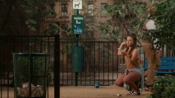 Robinhood Financial TV Spot, 'Dog Park' - Thumbnail 3