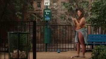 Robinhood Financial TV Spot, 'Dog Park' - Thumbnail 4