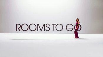 Rooms to Go Venta de Año Nuevo TV Spot, 'Momento perfecto' con Sofia Vergara, Cindy Crawford [Spanish] - Thumbnail 1