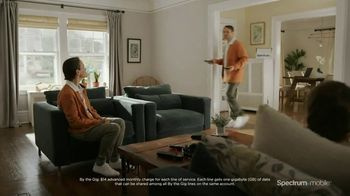 Spectrum Mobile Mix and Match TV Spot, 'Clones' - Thumbnail 2