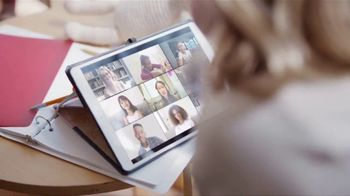 XFINITY Gig Speed Internet TV Spot, 'Extremely Sticky Tablet: $20' Featuring Amy Poehler - Thumbnail 4