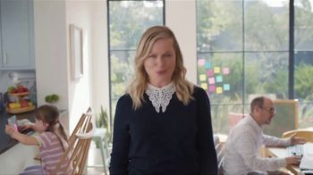 XFINITY Gig Speed Internet TV Spot, 'Extremely Sticky Tablet: $20' Featuring Amy Poehler - Thumbnail 6