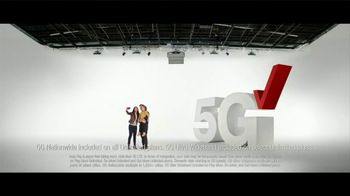 Verizon TV Spot, 'Holidays: 5G America's Been Waiting For: Galaxy S20+ 5G for $700 Off' - Thumbnail 7
