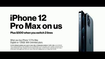Verizon TV Spot, 'Holidays: iPhone 12 Pro Max: Unlimited Plans' - Thumbnail 7