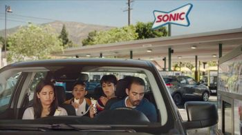 Sonic Drive-In Fritos Chili Cheese Jr. Wrap TV Spot, 'Perfecto' [Spanish] - Thumbnail 1