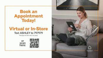 Ashley HomeStore Black Friday Weekend Sale TV Spot, 'Doorbusters: $399 Queen Panel Bed' - Thumbnail 8