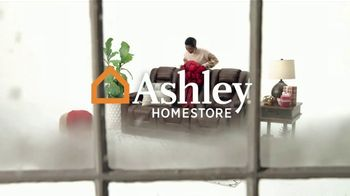 Ashley HomeStore Black Friday Sale TV Spot, 'Final Days: Power Reclining Sofa' - Thumbnail 1