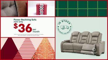 Ashley HomeStore Black Friday Sale TV Spot, 'Final Days: Power Reclining Sofa' - Thumbnail 5