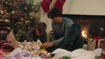 Meijer TV Spot, 'Give the Big Guy a Hand: Santa Bucks' - Thumbnail 4