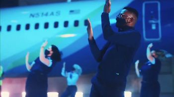 Alaska Airlines TV Spot, 'Alaska Safety Dance' - Thumbnail 7