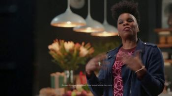 Portal from Facebook TV Spot, 'Gifting with Leslie Jones' - Thumbnail 4