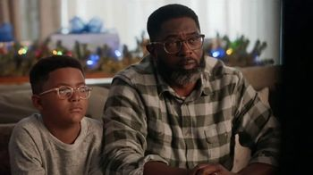 Portal from Facebook TV Spot, 'Holiday Stories With Leslie Jones: No Offer' - Thumbnail 7