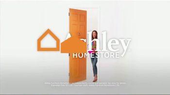 Ashley HomeStore Black Friday TV Spot, 'Holidays: 7 Days of Savings' - Thumbnail 9