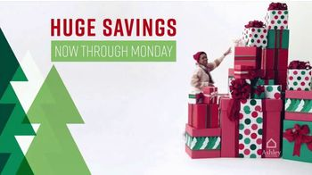 Ashley HomeStore Black Friday Weekend Sale TV Spot, 'Continued: 25% Off or Special Financing' - Thumbnail 2