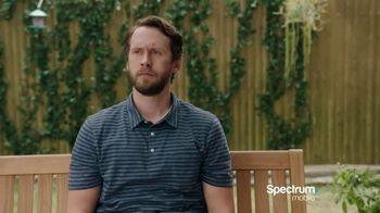 Spectrum Mobile TV Spot, 'Cornhole'