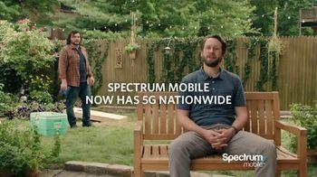 Spectrum Mobile TV Spot, 'Cornhole' - Thumbnail 9