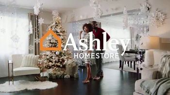 Ashley HomeStore Happy Holidays Sale TV Spot, 'Up to 25% Off or Special Financing' - Thumbnail 2