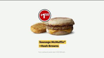 McDonald's TV Spot, 'El estampida de desayuno: Sausage McMuffin o Biscuit con Hash Browns' [Spanish] - Thumbnail 6