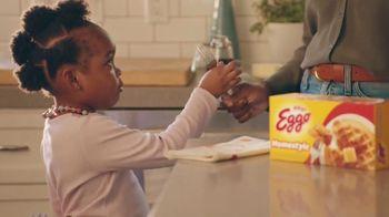 EGGO Homestyle Waffles TV Spot, 'Tiny Dino' - Thumbnail 7