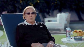 Coors Light TV Spot, 'El Iceman' con Tom Flores [Spanish] - Thumbnail 4